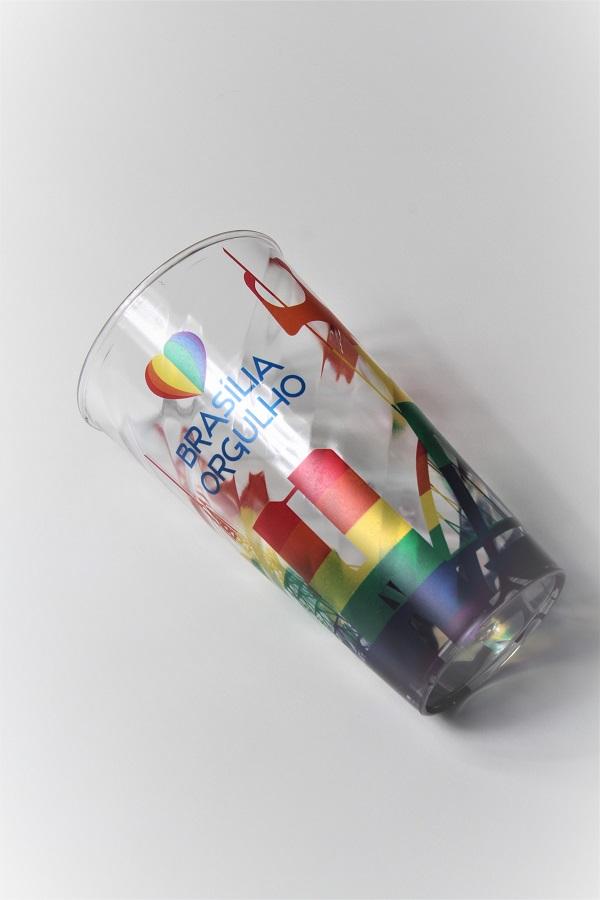 Copo Brasília Orgulho LGBT arco-íris